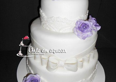 Bolo Decorado De Casamento Com Flores Lilás Bolos Decorados